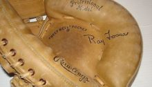 vintage-ray-fosse-catchers-mitt-rawlings-mj50-right-_1